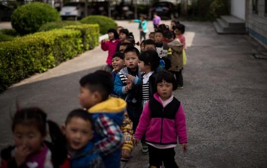 300 million children breathe heavily toxic air: UNICEF