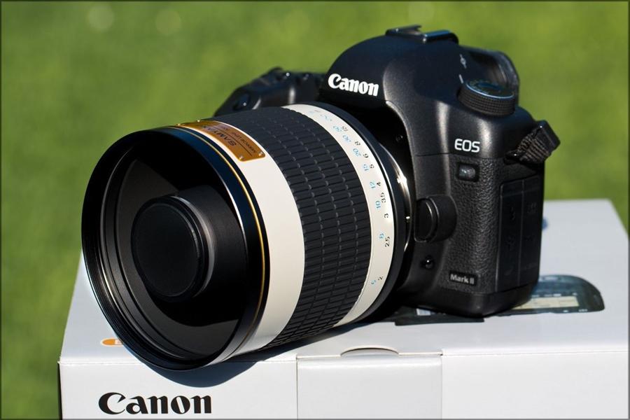 ตัวอย่างเลนส์ Telephoto แบบกระจก Mirror Lens หรือ Reflex Lens ของ Samyang 500mm. ซึ่งมีราคาไม่สูงมากนักประมาณ 6,000 – 7,000 บาท เท่านั้น