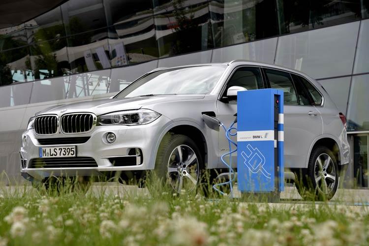 เบนซ์-BMW นัดถล่มราคา...ปูพรมCKDดันยอดปลายปี