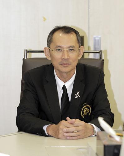 นายสุจิ คอประเสริฐศักดิ์ นายกสมาคมช่างเหมาไฟฟ้าและเครื่องกลไทย