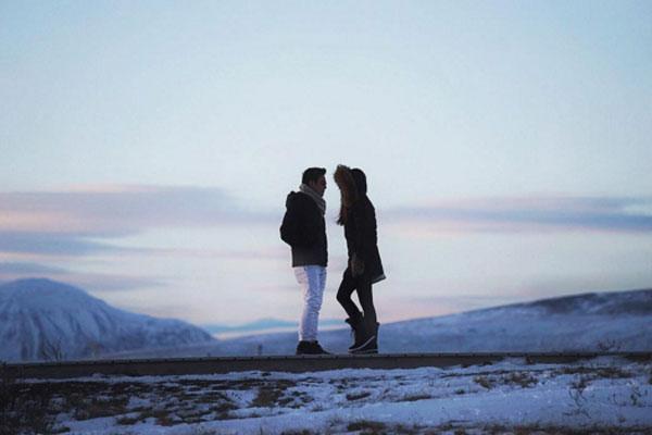 """ฟินสุดกู่เมื่อคู่รัก """"ฟลุค-นาตาลี"""" ออกย่ำแดน """"ไอซ์แลนด์"""" ทะลุความหนาวเหน็บ"""