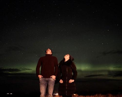 """หวานน้ำแข็งละลาย!! """"ว่าน"""" สวีต """"ฟาง"""" ภาพใต้แสงเหนือ ที่ไอซ์แลนด์"""