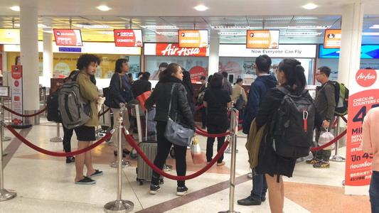 สุดสัปดาห์สนามบินเชียงใหม่นักท่องเที่ยวแน่น ยอดผู้โดยสารต่อวันทะลุ 3 หมื่น(ชมคลิป)
