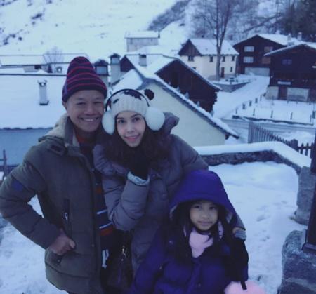 """""""โด่ง-ยุ้ย"""" พา """"พ่อรอง"""" และลูกสาวเที่ยวสวิตเซอร์แลนด์"""