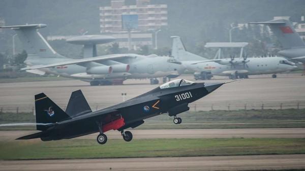 จีนทดสอบบินรบล่องหนรุ่นใหม่ หวังเทียบชั้นคู่แข่งซีกโลกตะวันตก