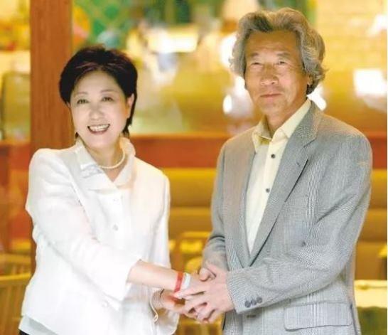 """""""ยุริโกะ โคะอิเกะ"""" หรือเธอคือว่าที่นายกฯหญิงคนแรกของญี่ปุ่น? (2)"""
