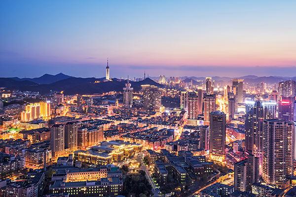 อันดับ 9 เหลียวหนิง 32,000 คน - วิวเมืองต้าเหลียน เมืองเอกของมณฑลเหลียวหนิงทางจีนตะวันออกเฉียงเหนือ