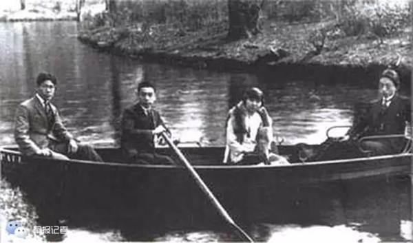 โจว เอินไหล ค.ศ.1921 เข้าร่วมพรรคคอมมิวนิสต์จีน ในกรุงเบอร์ลิน