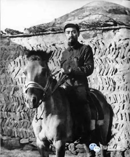 โจว เอินไหลในยุคทศวรรษที่ 30 ในกองทัพแดง