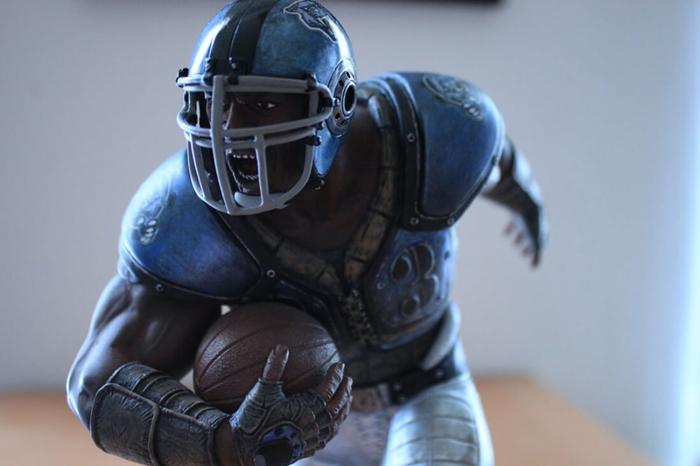 """อดีตนักกีฬา NFL โร่ฟ้องศาล ฐานโดนตัวละคร """"Gears of War"""" ลอกเลียนแบบ"""