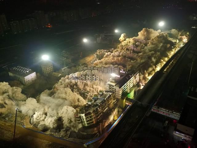 จีนระเบิดตึก 19 หลัง เสร็จในพริบตาไม่ถึง 10 วินาที! ย่นเวลาเคลียร์พื้นที่ก่อสร้างได้กว่า 4 เดือน
