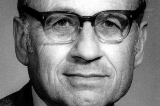 Walter Kohn ผู้ได้โนเบลเคมีจากการใช้กลศาสตร์ควอนตัมศึกษาโมเลกุล