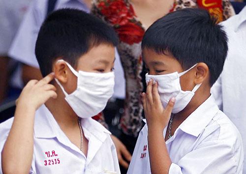 """ร.ร.สาธิตจุฬาฯ ประกาศหยุดเรียน 2 วัน พบ """"ไข้หวัดใหญ่"""" ระบาด ทำ นร.ป่วยอื้อ"""