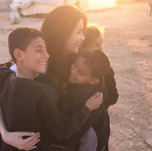 """ตามรอย """"แองเจลิน่า โจลี"""" """"ปู ไปรยา"""" ประเดิมงานทูต UNHCR เยี่ยมค่ายผู้ลี้ภัยซีเรีย"""