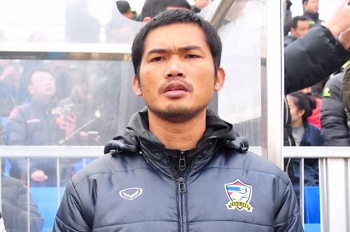 """""""ปราสาทสายฟ้า"""" ตั้ง """"อิสระ ศรีทะโร"""" โค้ชทีมชาติไทย U-23 คุมบังเหียนบุรีรัมย์ทีมบี"""
