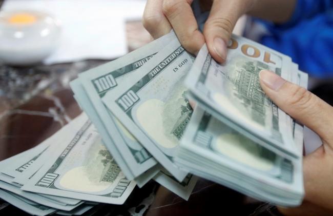 """นโยบายผู้อพยพของ """"ทรัมป์"""" กระทบชาวเวียดนามส่งเงินกลับประเทศลดลง"""