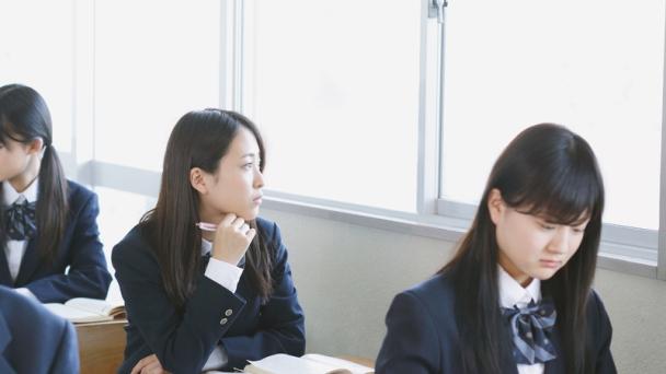 """นักเรียนญี่ปุ่นสุด """"เจี๋ยมเจี้ยม"""" ความกระตือรือล้นแพ้เด็กจีน,เกาหลี,สหรัฐ"""