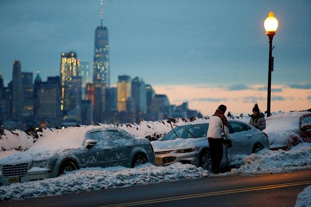 ตาย6ศพเซ่นพายุหิมะปลายฤดูหนาวซัดถล่มสหรัฐฯ ล่าสุดอ่อนกำลังลงแล้ว