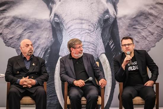 ผู้นำธุรกิจไทย ยืนหยัดปกป้องช้าง ให้คำมั่นไม่ซื้อ ไม่ใช้ผลิตภัณฑ์งาช้าง