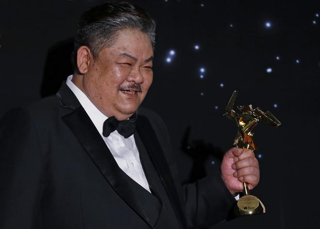 ยอดนักแสดงตัวประกอบ หลินเสว่ หนึ่งเดียวจากฮ่องกง (ไม่นับรางวัลสาขาเกียรติยศ) ที่คว้ารางวัลได้ในปีนี้ จากการแสดงในหนัง Trivisa