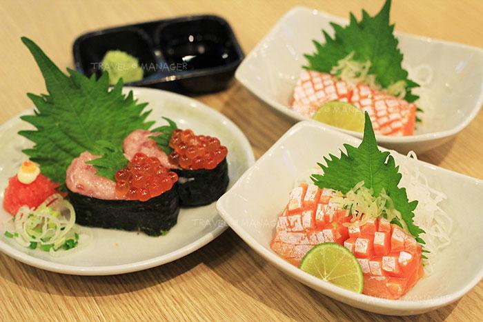"""""""กุนกันไข่ปลาแซลมอนและโทโร่"""" และ """"ท้องปลาแซลมอนซาชิมิ"""""""