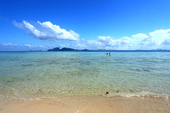 เกาะกระดาน น้ำใส หาดทรายสวย น่าเล่นน้ำ
