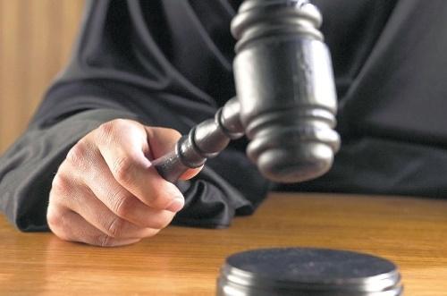 ศาลสั่งจำคุกสาวสเปน ทวีตข้อความล้อเลียนการลอบสังหารยุคเผด็จการฟรังโก