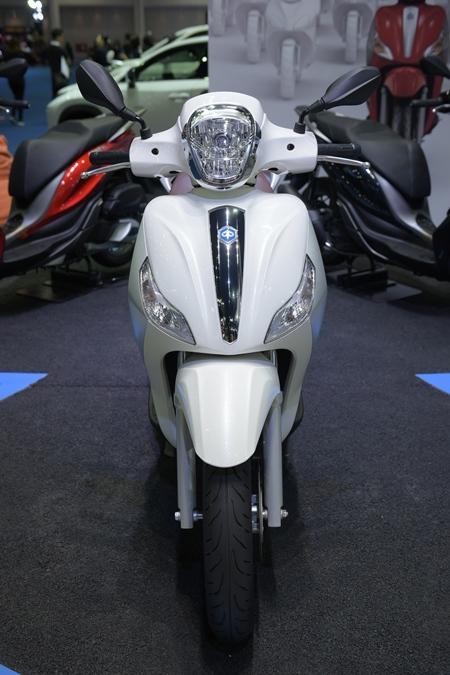 พิอาจิโอ เมดเลย์ 150 ABS