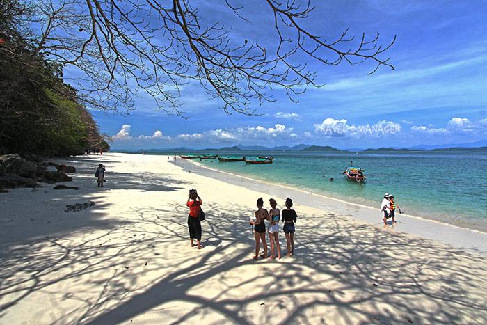เกาะค้างคาว สถานที่ท่องเที่ยวน้องใหม่มาแรงแห่งระนอง