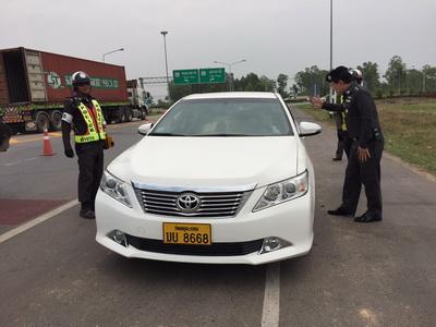 ผู้ใช้รถทั้งไทย-ลาวโอดครวญเดือดร้อนหนัก ถูกกวดจับเข้มตาม ม.44