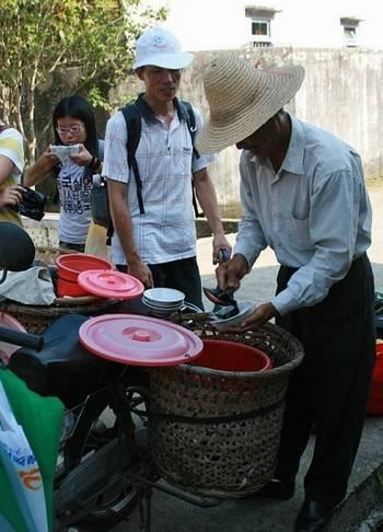ร้านขายเฉาก้วยในจีน ที่มาภาพ http://www.cztaole.com/information/detail/1381/_1