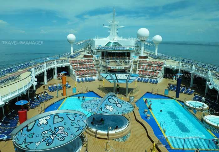 """ไปพักผ่อนอย่างสำราญ สุดอลังการบนเรือ """"Mariner of the Seas"""" จนอาจลืมไปเลยว่าอยู่บนเรือ!!"""
