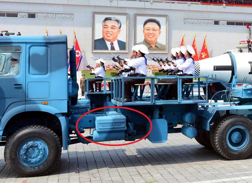 """ภาพฟ้อง!! โสมแดงใช้รถบรรทุก """"เมด อิน ไชน่า"""" แห่ขีปนาวุธโชว์ในพิธีสวนสนาม """"105 ปี คิมอิลซุง"""""""