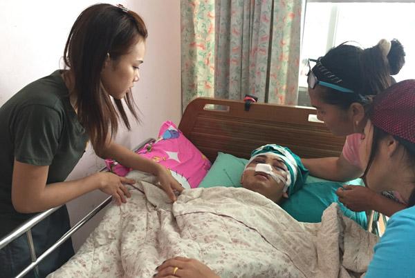 หมอผ่าตัดกะโหลกเหยื่อโจ๋ศรีสะเกษ 3 ชม. แฟนสาวเผยนาทีชีวิตถูกรุมกระทืบปางตาย(ชมคลิป)