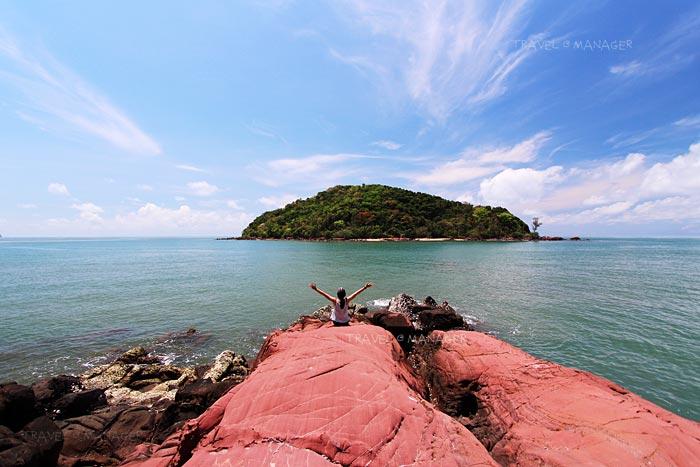 """ให้มันเป็นสีชมพู! เจิดจ้าท้าแดดที่""""ลานหินสีชมพู"""" ที่เที่ยวหวานๆ แห่งจันทบุรี"""