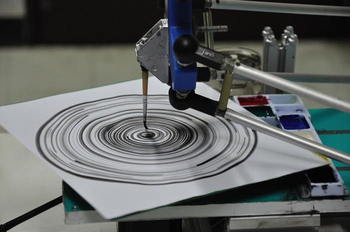 หุ่นยนต์เดลตาโรบอทวาดภาพ Record