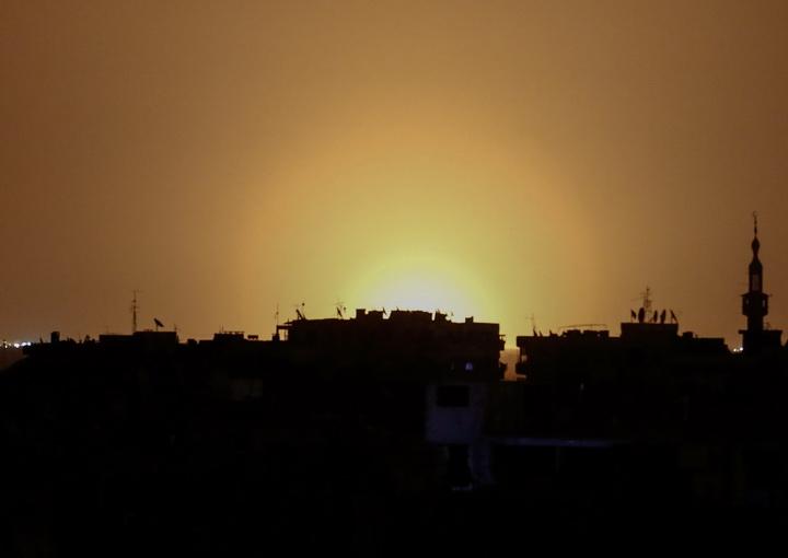 อิสราเอลถล่มคลังอาวุธในดามัสกัส สั่งสอนอิหร่านอย่าได้คิดล้ำ'เส้นแดง'(ชมคลิป)