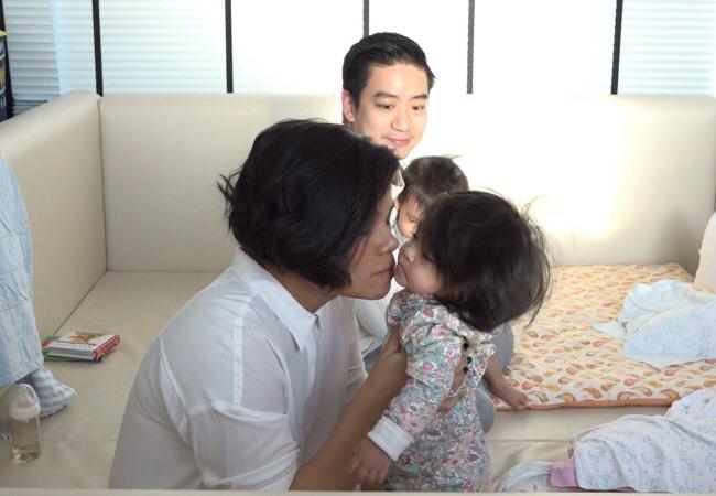 """เบื้องหลังสุดซึ้ง!!  พ่อ&ลูก ซุปเปอร์แมนฯ วัน """"แม่""""กลับบ้าน!!!"""