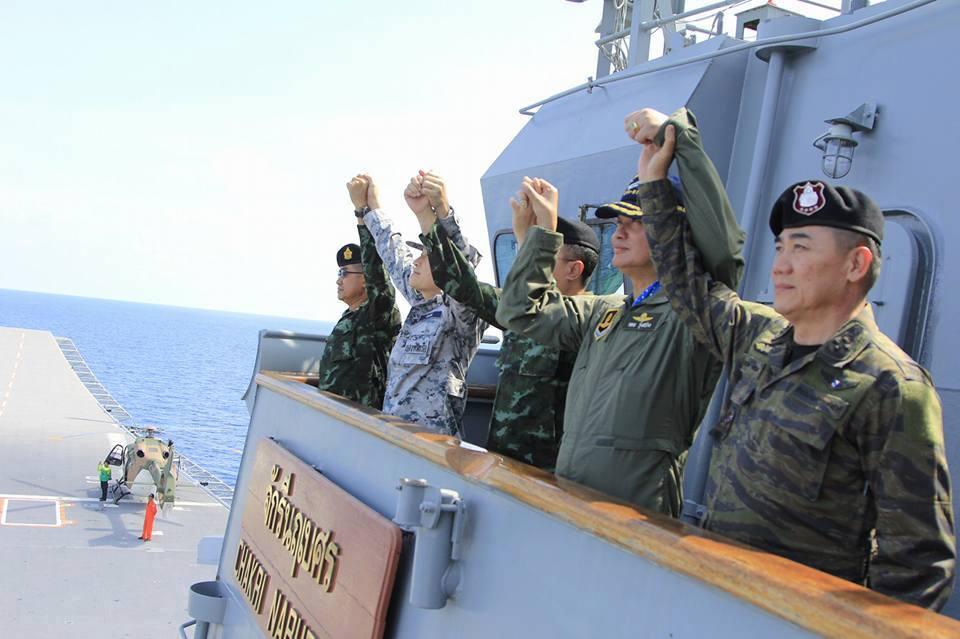 ผบ.สส.นำ ผบ.เหล่าทัพ ชมการฝึกภาคทะเล ทร.รับพอใจชี้แจงปมเรือดำน้ำ