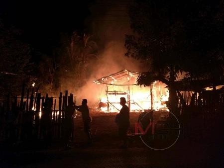 ไม่มีระคาย..ไฟไหม้บ้านวอดหมด หนุ่มใหญ่ลูบลายสักวิ่งฝ่าทะเลเพลิงได้เฉย
