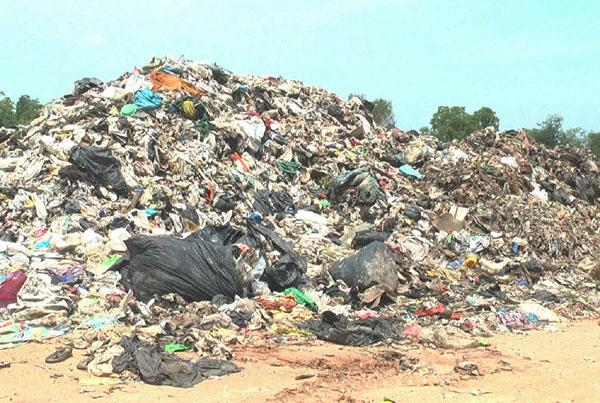 วุ่น! โคราชเร่งแก้ขยะล้นเมือง เทศบาลนครฯ หยุดรับขยะ อปท. 29 แห่ง ดิ้นกระจาย 5 จุด (ชมคลิป)