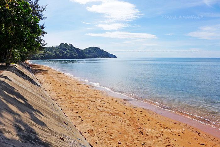 หาดคุ้งวิมาน ทะเลแสนสงบ