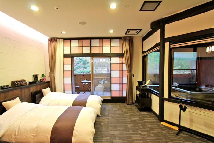 โรงแรมฮะจิมันไต ไฮท์ กับห้องพักแบบมีออนเซ็นส่วนตัวในห้อง