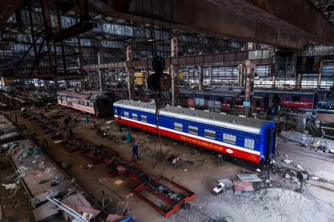 <br><FONT color=#000033>ภาพมุมสูงของโรงงานซาลามในกรุงฮานอย ที่สร้างขึ้นโดยฝรั่งเศสเพื่อใช้เป็นที่ซ่อมบำรุงรถไฟ. -- Agence France-Presse/Hoang Dinh Nam.</font></b>