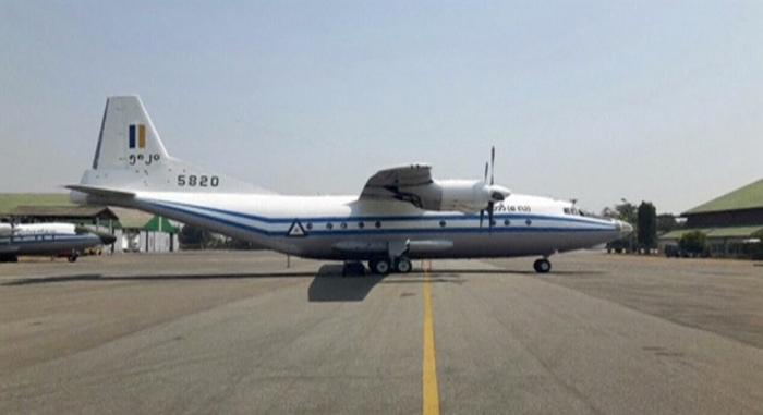 <I>เครื่องบินลำที่ตกเป็นแบบ  Y-8-200 F ผลิตในประเทศจีน ดังที่เห็นในภาพนี้ </I>