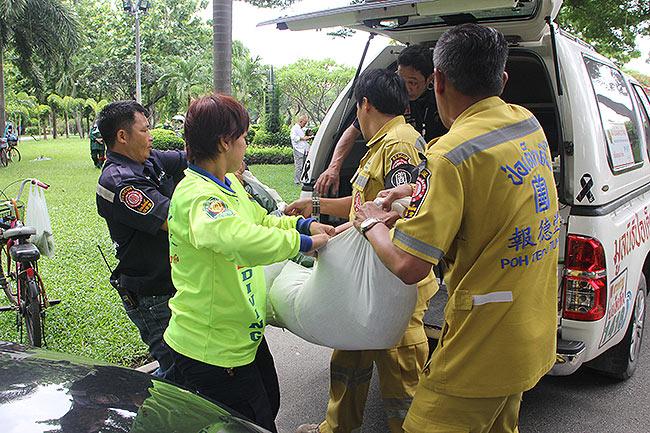 พบศพเด็กสาว 19 ตายเปลือยสวนเสรีไทย แม่ปล่อยโฮลูกหายไปทั้งคืนเชื่อถูกฆาตกรรม
