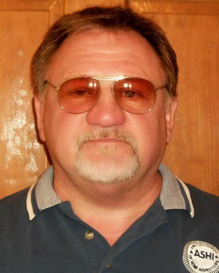 <i>เจมส์ ที. ฮอดจ์คินสัน วัย 66 ปี นักต่อต้านวิพากษ์วิจารณ์ประธานาธิบดีโรนัลด์ ทรัมป์ ซึ่งใช้ปืนไรเฟิลกราดยิง ส.ส.รีพับลิกัน </i>