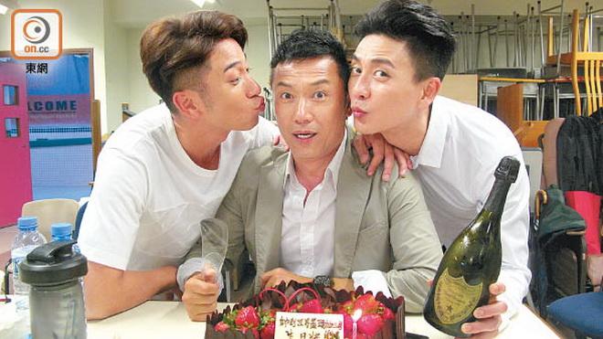 """รุ่นน้องใน TVB ร่วมฉลองวันเกิด 59 ปี ของ """"เหมียว เฉียวเหว่ย"""""""