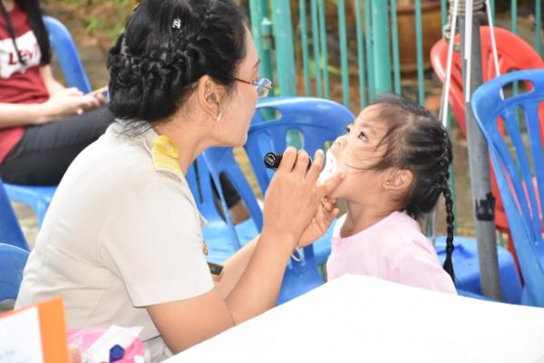 """เตือน """"มือ เท้า ปาก"""" จ่อระบาดเพิ่มขึ้น คาด ก.ค.ป่วยสูงสุด ย้่ำครู-พ่อแม่เฝ้าระวังเด็ก"""