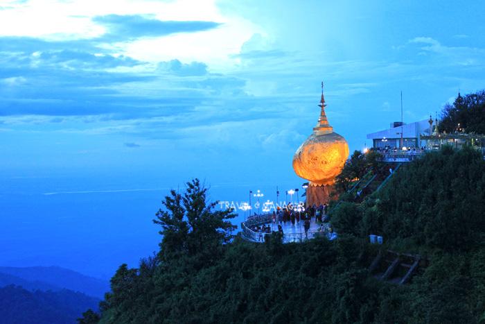 พระธาตุอินทร์แขวน เมืองไจก์โถ่ 1 ใน 5 มหาบูชาสถาน ตั้งตระหง่านท้าทานแรงดึงดูดโลก